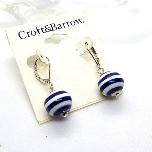 ❤ 3 for 20$. Croft$Barrow blue and white earrings.